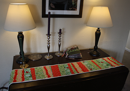 Quilted Christmas Table Runner - GIVEAWAY