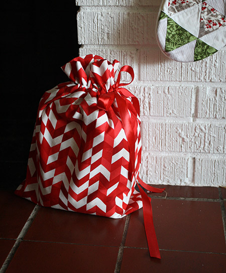 Drawstring Gift Bag - GIVEAWAY and TUTORIAL